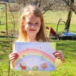 Foto Kind mit gemaltem Bild