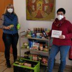 Übergabe der Spenden (Lebensmittel und Hygieneartikel)
